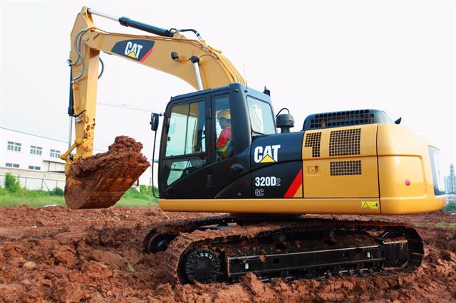 Escavadeira Caterpillar 320D2L