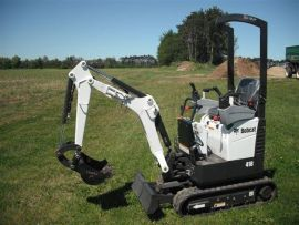 Mini-Escavadeira Bobcat E418